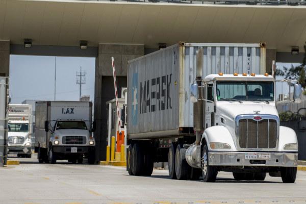 Por las aduanas se movilizan casi 300 millones de toneladas cada año