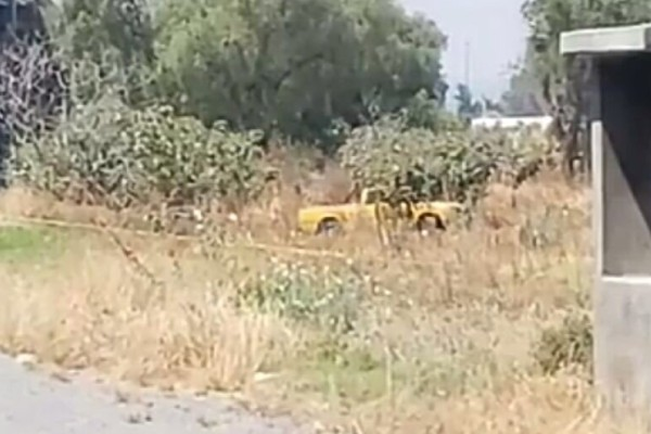 Camioneta_abandonada