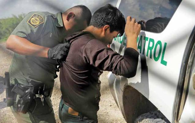 Agentes migratorios de EU continúan con las detenciones.FOTO: ESPECIAL