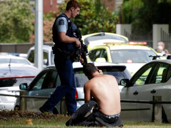Según un informe, los detenidos son tres hombres y una mujer