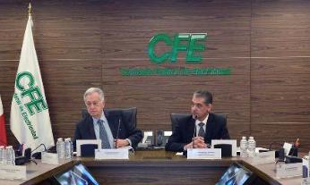 Bartlett se reunió con Martín Mendoza Hernández, director general de la Empresa Subsidiaria de Suministro Básico. FOTO: ESPECIAL