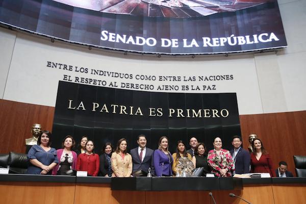 El Senado aprueba por unanimidad la prohibición del matrimonio infantil. Foto: @JosefinaVM
