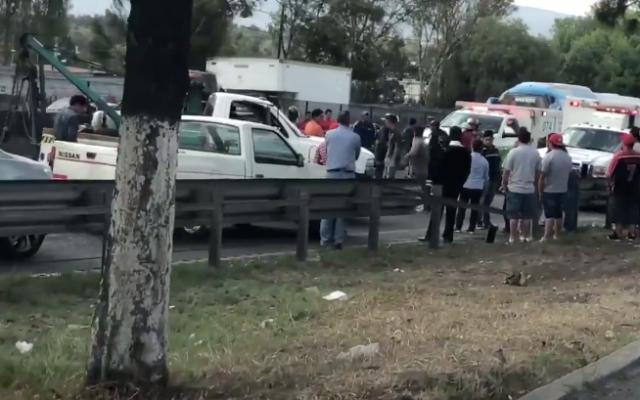 En un video se puede observar el momento de la colisión y cómo afectó a los automovilistas en la zona.