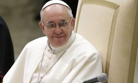 Francisco participó ayer en un encuentro del Tribunal Penitenciario Apostólico.FOTO: AP
