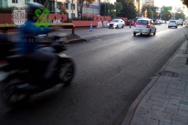 Policías de Tránsito implementaron reversible en avenida Chapultepec de Eje 1 Poniente a Praga. foto: OVIAL