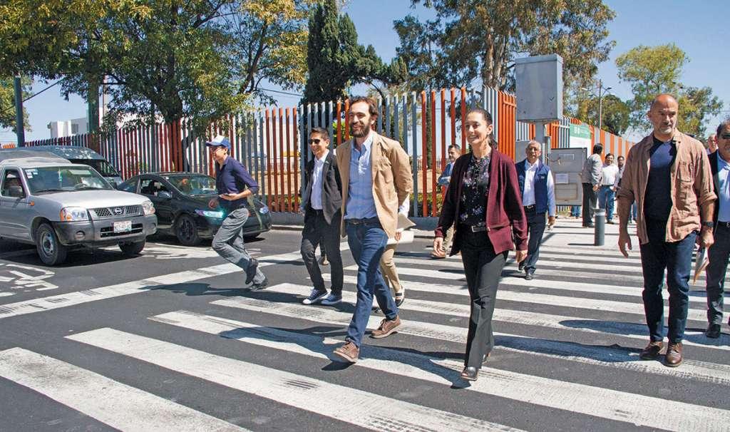 La idea del gobierno local es que los capitalinos caminen más seguros por sus avenidas. FOTO: CUARTOSCURO