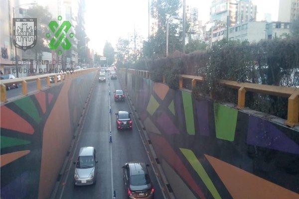 Oficiales de tránsito implementan reversible en avenida Chapultepec, de Eje 1 Poniente a Praga. Foto: @OVIALCDMX