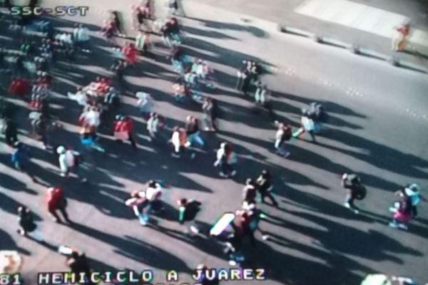 La marcha se encuentra frente al Hemiciclo a Juárez. Foto: OVIAL