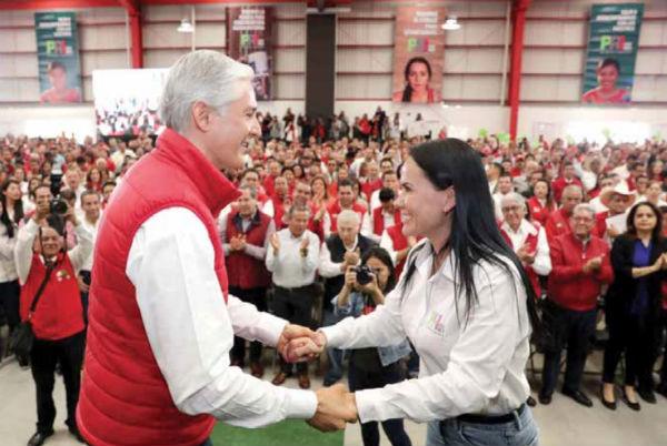 El gobernador Alfredo Del Mazo y la presidenta del PRI en el Edomex, Alejandra del Moral. FOTO: ESPECIAL