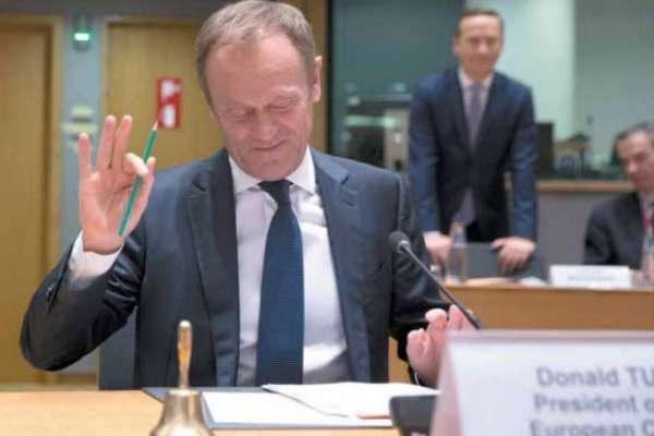 Los funcionarios de la Unión Europea recibieron una carta de la primera ministra británica.FOTO: AP