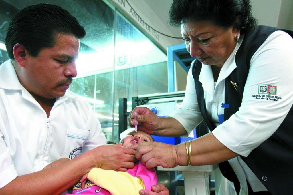 El Sistema Nacional de Salud implementó desde 2015 las cartillas de vacunación para cada sector de edad, y se amplió la cobertura. FOTO: CUARTOSCURO