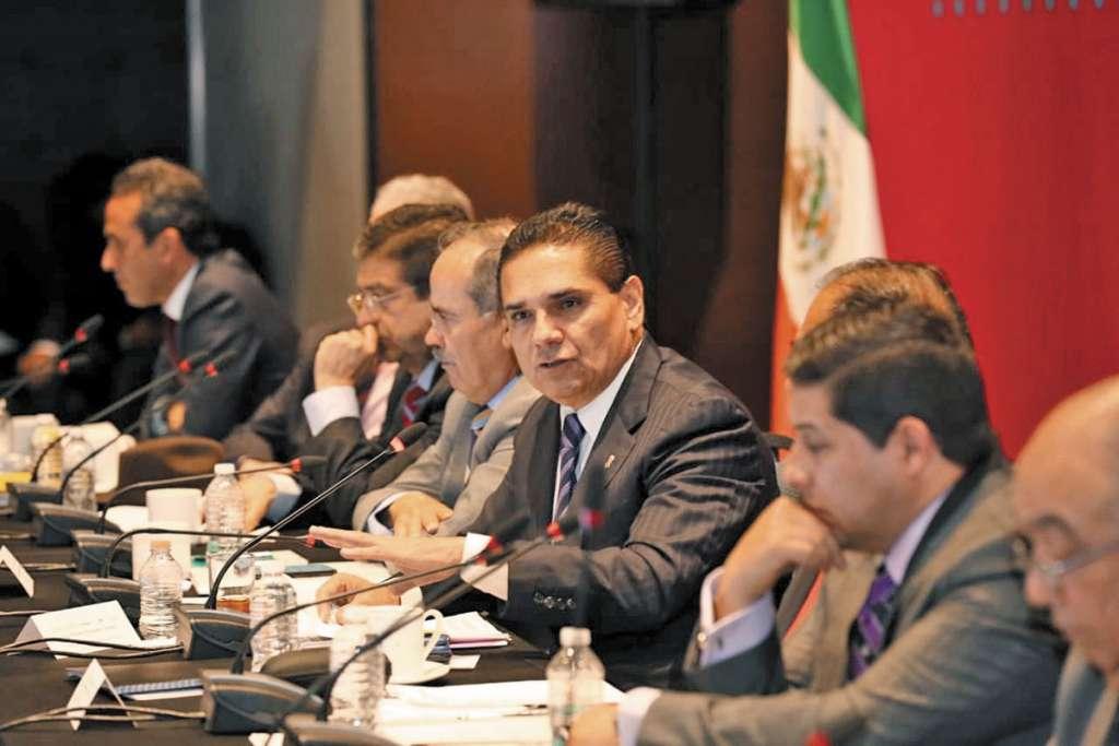 El gobernador Silvano Aureoles inició los debates.FOTO: ESPECIAL