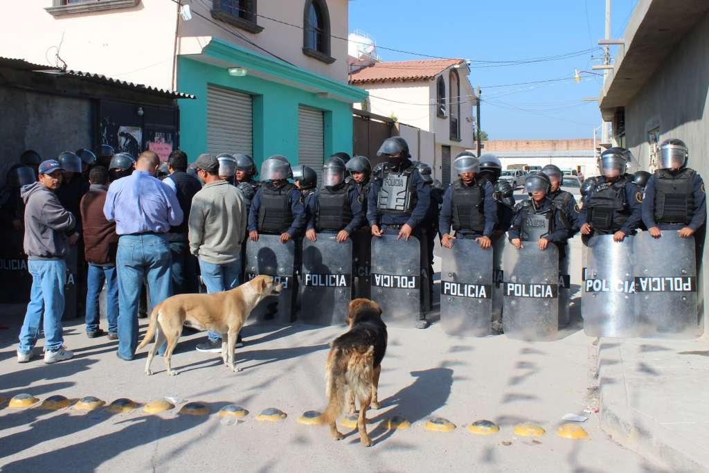 Con bloqueos carreteros e incendio de carros, fue como grupos delictivos reaccionaron ante los operativos policiales. Foto: Cuartoscuro