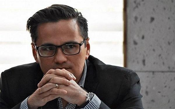 El fallo responde al amparo que promovió el periodista Miguel Ángel León Carmona, a quien el fiscal excluyó de su red social de 140 caracteres. Foto: Especial