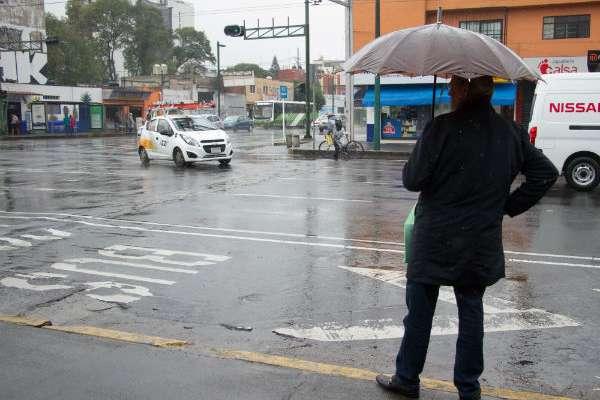 CLIMA. En el centro del país se registraron lluvias variables y fuertes vientos la tarde de ayer. Foto: Cuartoscuro