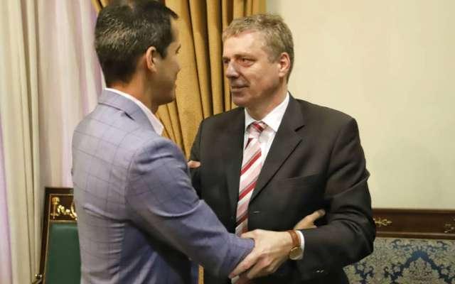 Daniel Kriener fue declarado persona no grata por Nicolás Maduro tras externar su apoyo a Guaidó. Foto: @jguaido