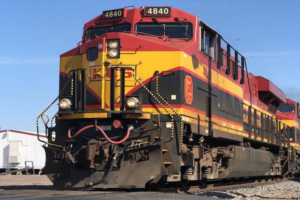 KCSM tiene 34 por ciento de participación de mercado en transporte de mercancías por ferrocarril en México. Foto: @Barroso213