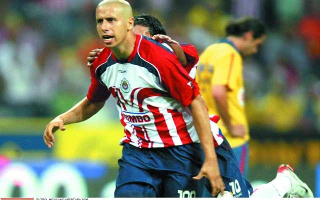 OPORTUNO. Adolfo Bautista marcó el primer gol en aquel choque de 2006. Foto: MEXSPORT / LESLIE PÉREZ