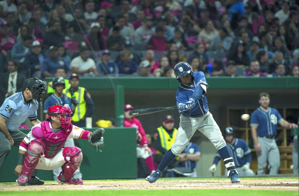 PODER. Los bats de Los Padres de San Diego despertaron a la hora buena. Foto: MEXSPORT