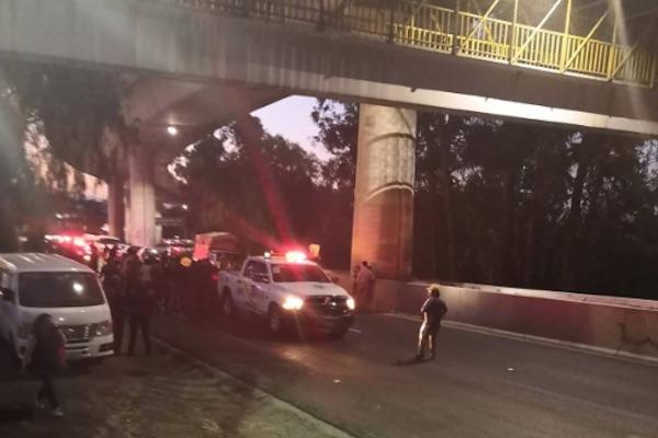 Imagen del bloqueo de la autopista México-Cuernavaca. Foto: @Tlalpanvecinos