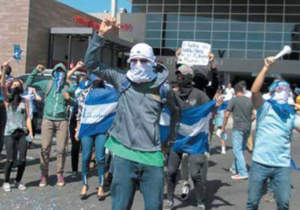 Las protestas contra Ortega han dejado cientos de detenidos, de los cuales 802 continúan bajo algún régimen carcelario. FOTO: AFP