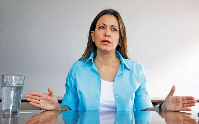 La opositora María Corina Machado aún aspira a ser la primera mujer presidenta de Venezuela.FOTO: REUTERS