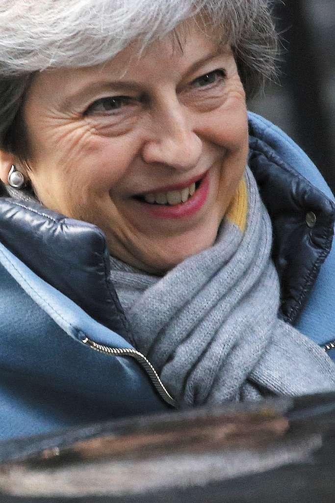 La premier May logró más tiempo para su plan de salida de la Unión Europea. FOTO: ESPECIAL