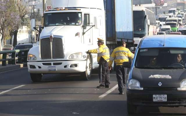 Los conductores de Edomex que violen el Reglamento de Tránsito de la CDMX también deberían hacer trabajo comunitario. Foto: Cuartoscuro