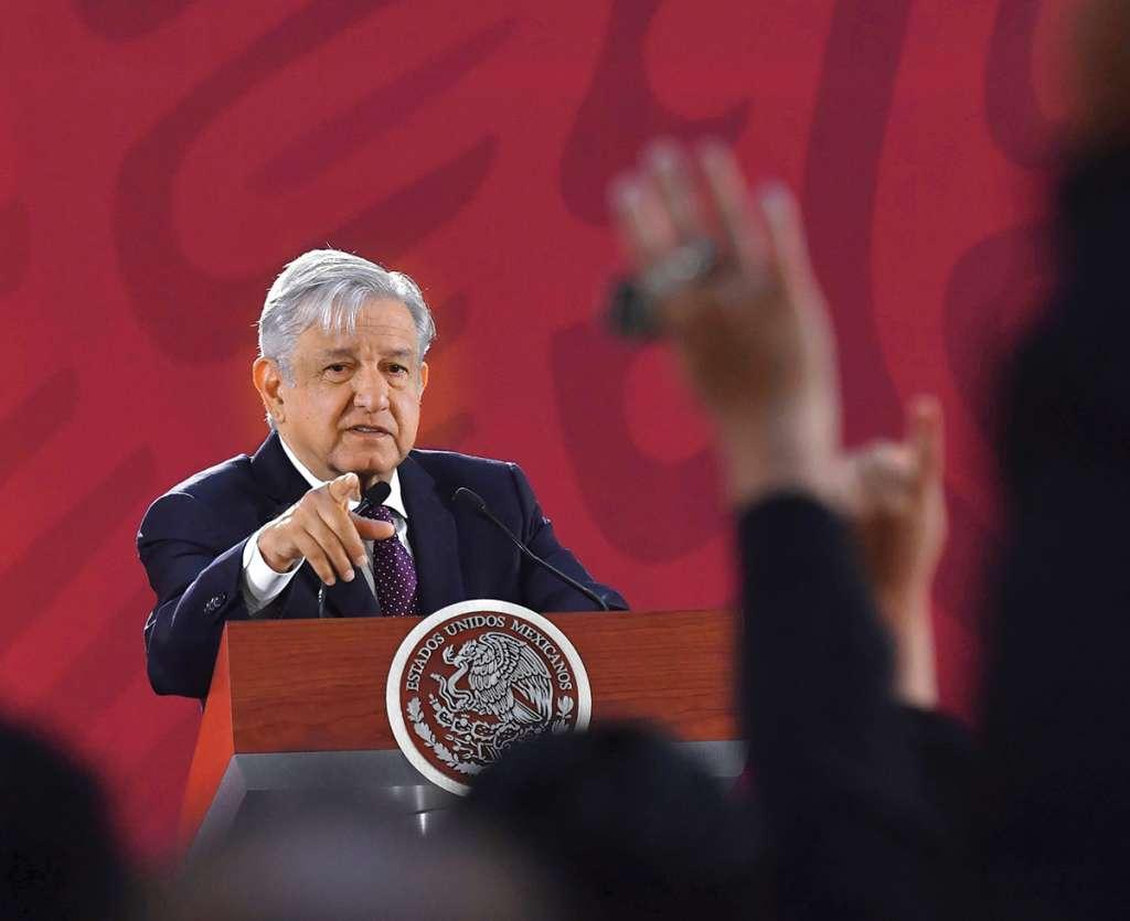 El Presidente insistió en que no tiene intención de quitar protección a mujeres. FOTO: EDGAR LÓPEZ