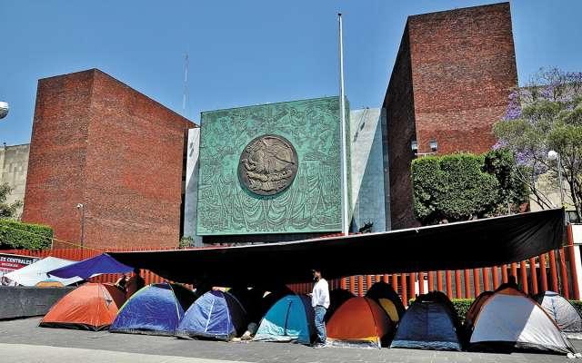 El diálogo entre los grupos duró más de cinco horas. FOTO: ARCHIVO/ CUARTOSCURO