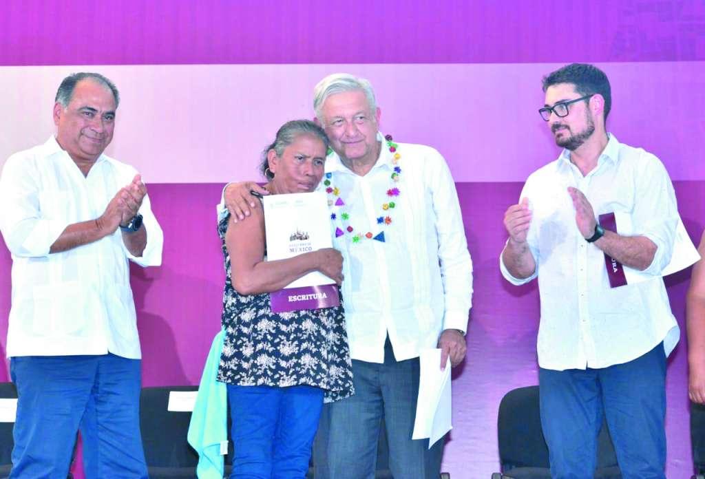 Por la tarde, López Obrador presentó el Plan de Mejoramiento Urbano de Acapulco, Guerrero.
