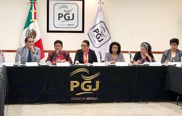 Godoy Ramos informó que la familia de María del Rosario Fabián fue recibida en las instalaciones de la Procuraduría. Foto: Especial