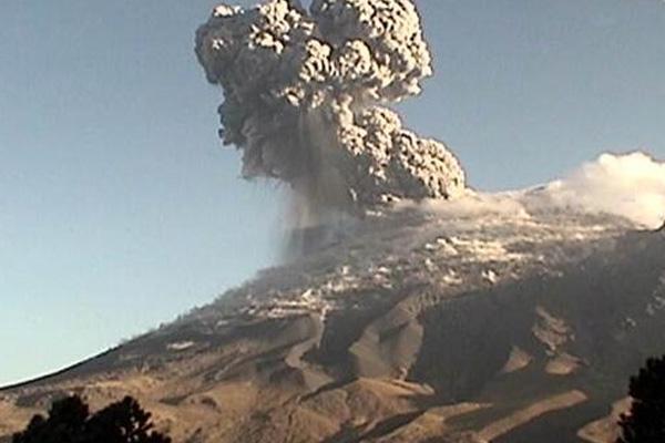 Popocatépetl emite 353 exhalaciones en las últimas 24 horas