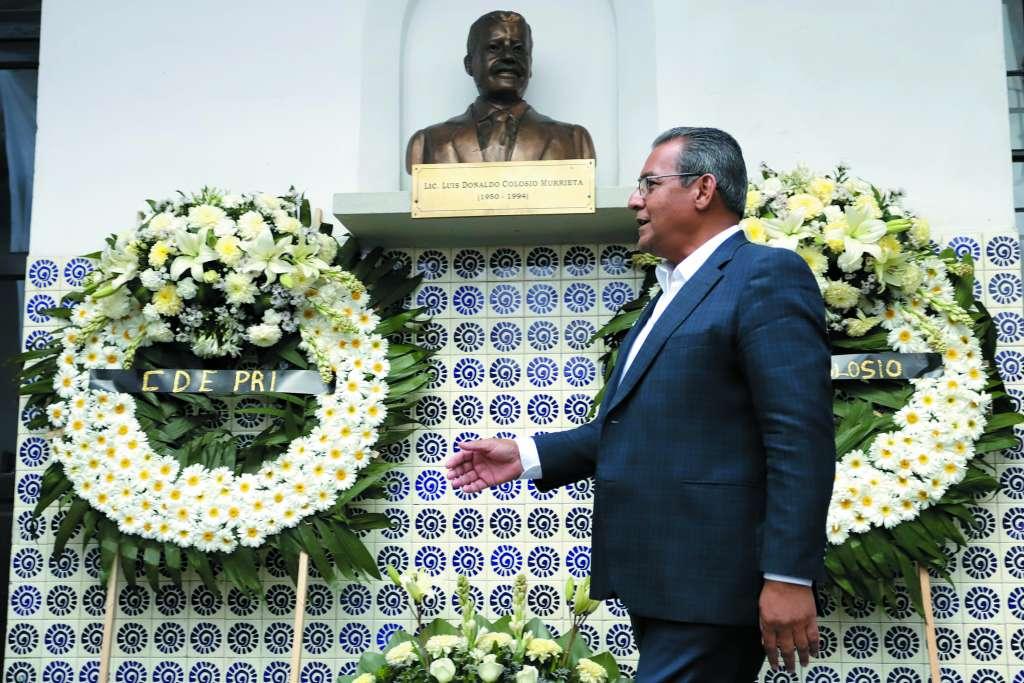 Alberto Jiménez encabezó la ceremonia local por Colosio. FOTO: ESPECIAL