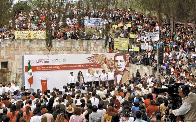 En Oaxaca, el Presidente estuvo en el festejo a Benito Juárez. FOTO: ESPECIAL