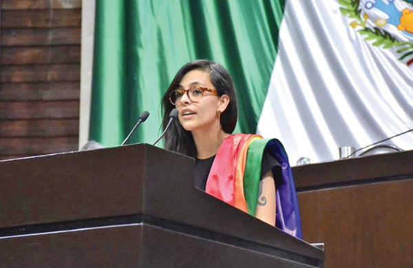Lucía Riojas fue la única que voto contra la reforma. FOTO: ESPECIAL