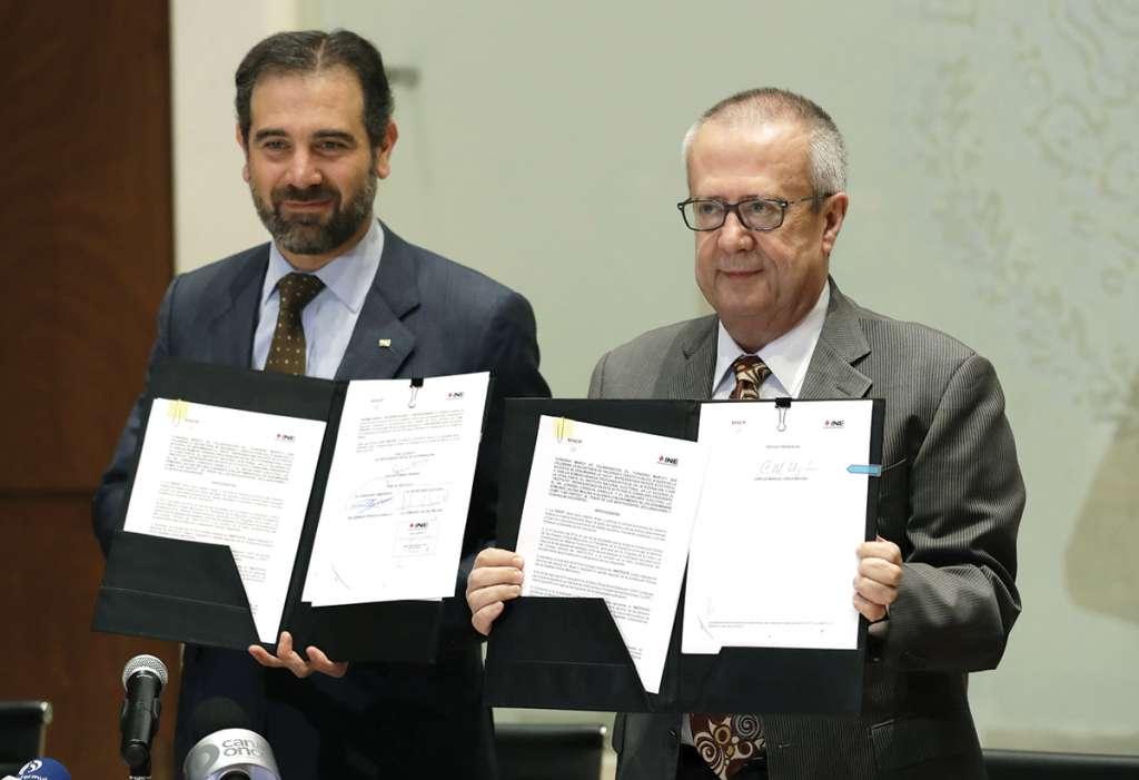 """El secretario de Hacienda, Carlos Urzúa, pidió no hacer una """"tormenta en un vaso de agua"""