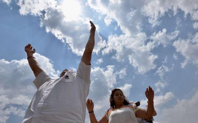 Los turistas mexicanos y extranjeros aprovechan la llegada de la primavera para cargarse de energía. Foto: Cuartoscuro