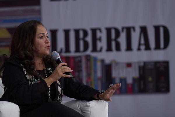 El senador Eruviel Ávila Villegas destacó el nombramiento de Sanjuana Martínez, a quien calificó como una mujer profesional y talentosa y adelantó el voto a favor del Partido Revolucionario Institucional. Foto: Especial