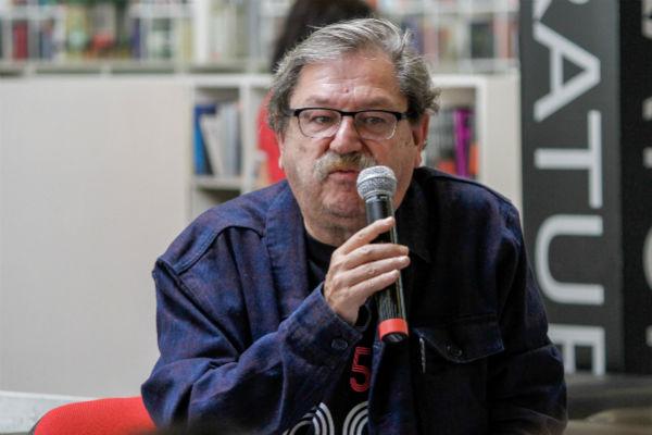 REVISIÓN. El escritor tiene 62 días al frente del organismo cultural. FOTO: NOTIMEX
