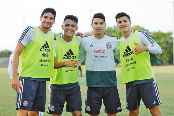 Bajo el mando de Jaime Lozano, los 20 jugadores nacionales viajaron ayer hacia a Europa, su lugar de concentración por los siguientes ocho días