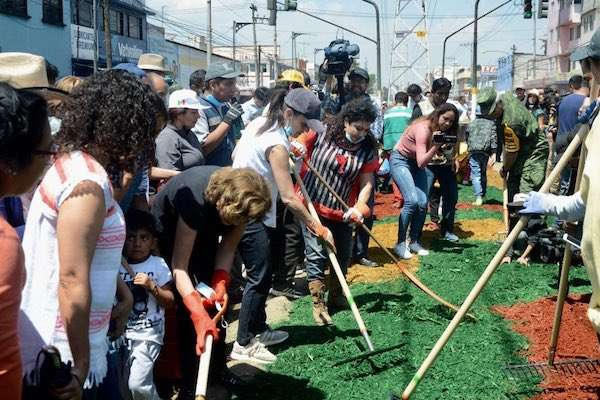 El 15 sábado de Tequio consistió en la limpieza y recuperación de espacios en la avenida Texcoco. Foto: @GobCDMX