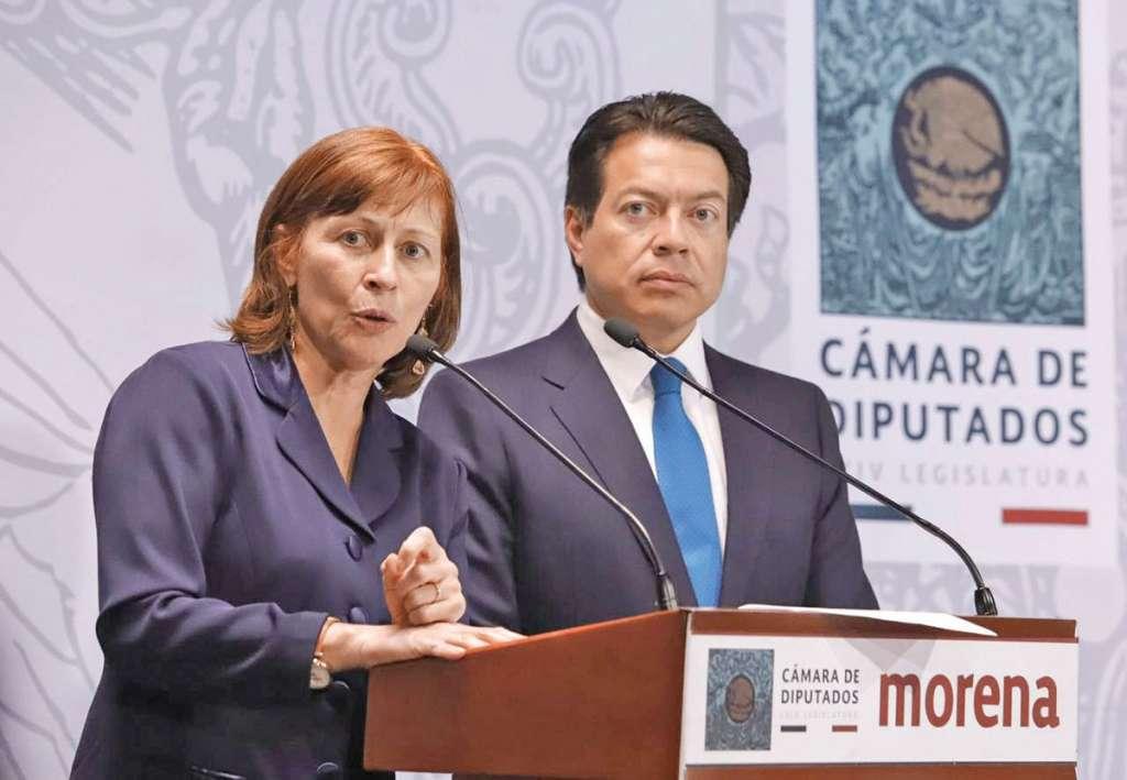 Los diputados de Morena, Clouthier y Delgado presentaron la iniciativa de reducción. FOTO: CUARTOSCURO