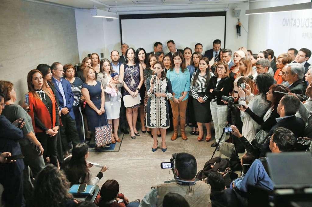 Josefina Vázquez Mota encabeza el frente donde participan legisladores, mamás y ONG. FOTO:ESPECIAL