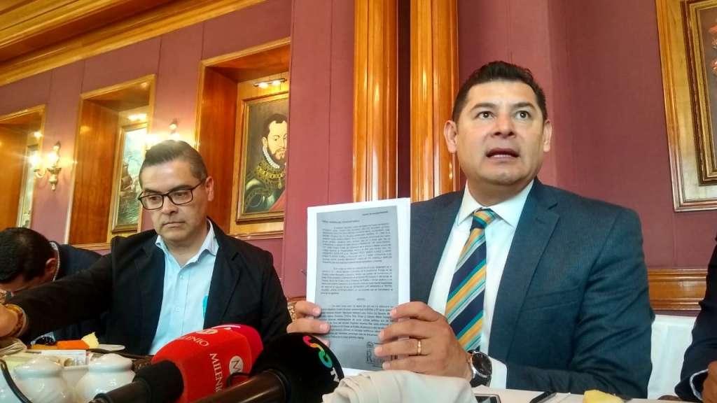 Armenta Mier señaló que de no ser elegido como candidato, permanecerá en Morena. Foto: Especial