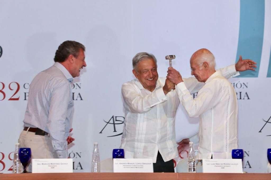 Durante la 82 Convención Bancaria,Luis Niño de Rivera destacó que la banca se compromete a cobrar cero de cero comisiones para las cuentas digitales. Foto: Especial