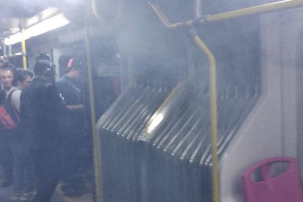 Incendio unidad de Metrobús Línea 2. Foto: Instagram @rncaster
