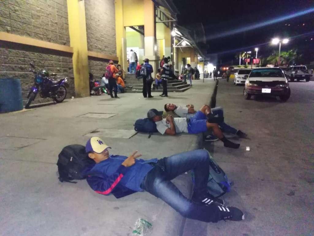 Ante la inminente llegada de la caravana, sitios web en México han causado alarma en la población asegurando que el grupo está integrado en su totalidad por pandilleros. Foto: Especial