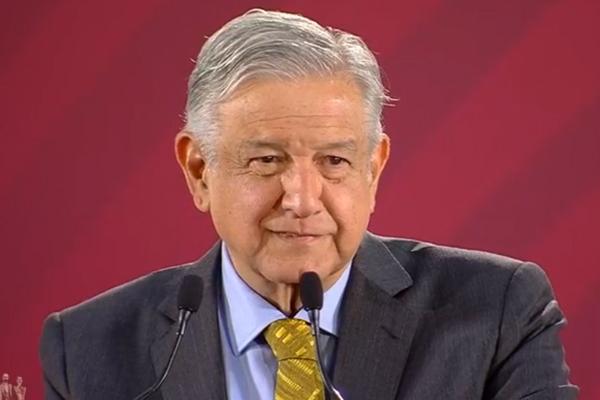 López Obrador pedirá a banqueros que bajen comisiones por envío de remesas