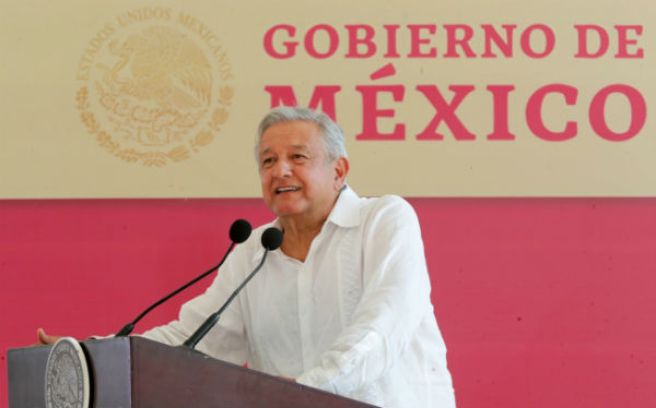 López Obrador insistió en que es necesario realizar una revisión histórica en la que se reconozcan los agravios cometidos contra los pueblos originarios